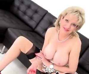 Adulterous uk milf lady...