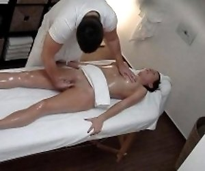 Freaky Masseur Cumming to...