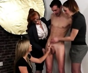 CFNM Three Girls Jerk...