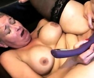 Chubby milf with a short...